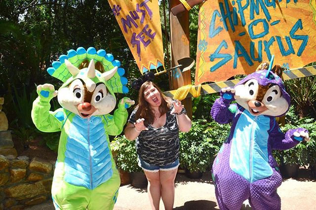 Happy Earth Day & Happy 21st anniversary DAK!! I can't believe how much this park has grown in 21 years! I wanted to do something DAK related to celebrate so I'm going to make a donation to the @disneyconservation fund. ⁣⁣ ⁣ I can't wait to see what DAK does next! Also, thanks for bringing Dino Chip & Dale into my life because I'm obsessed. See you this weekend to celebrate! ☀️🦁🐯🦖🐠🦓💛 ⁣ ⁣ #cannonandthecastle #catcmeetscharacters #disneyphotopass #photopass #waltdisneyworld #dak #animalkingdom #disneyconservationfund
