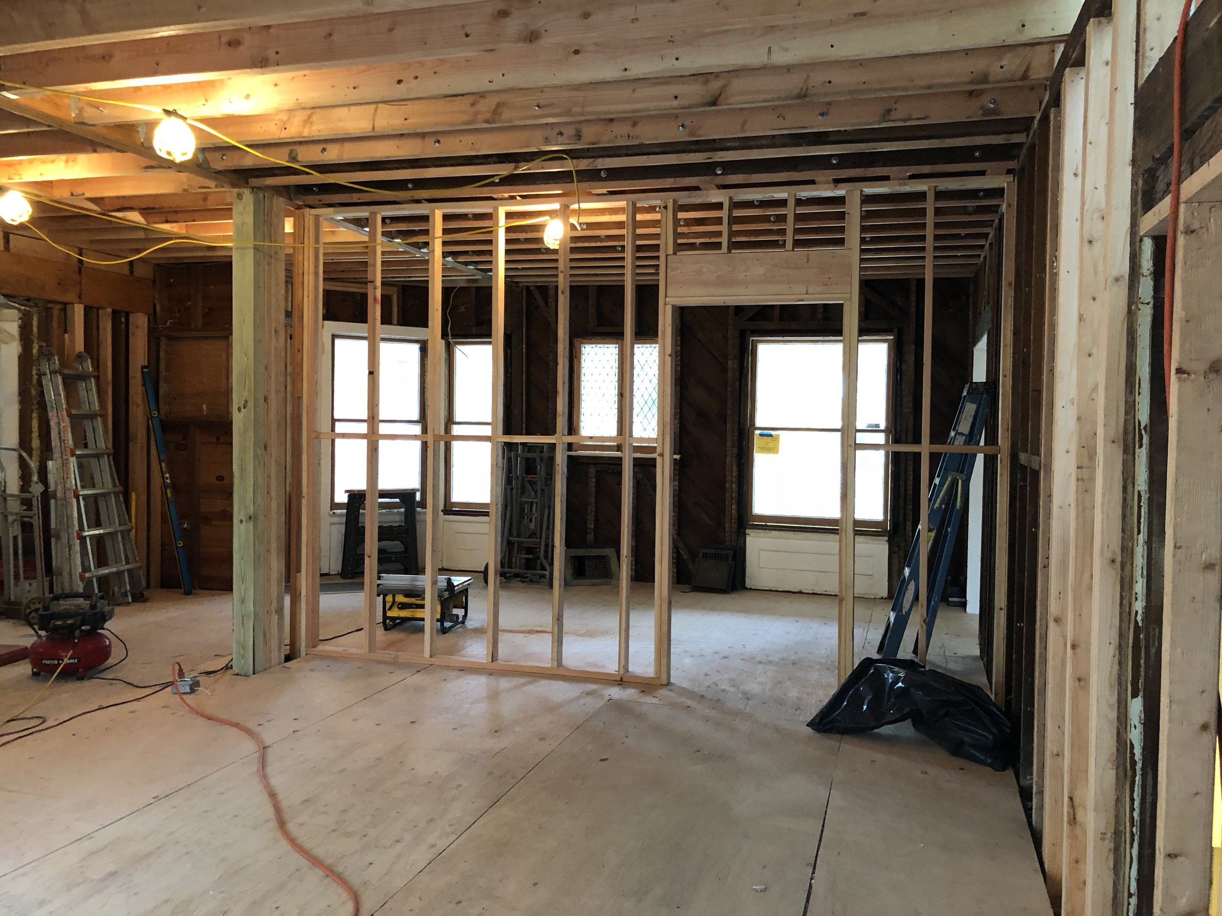 framing for the dining room and kitchen entry