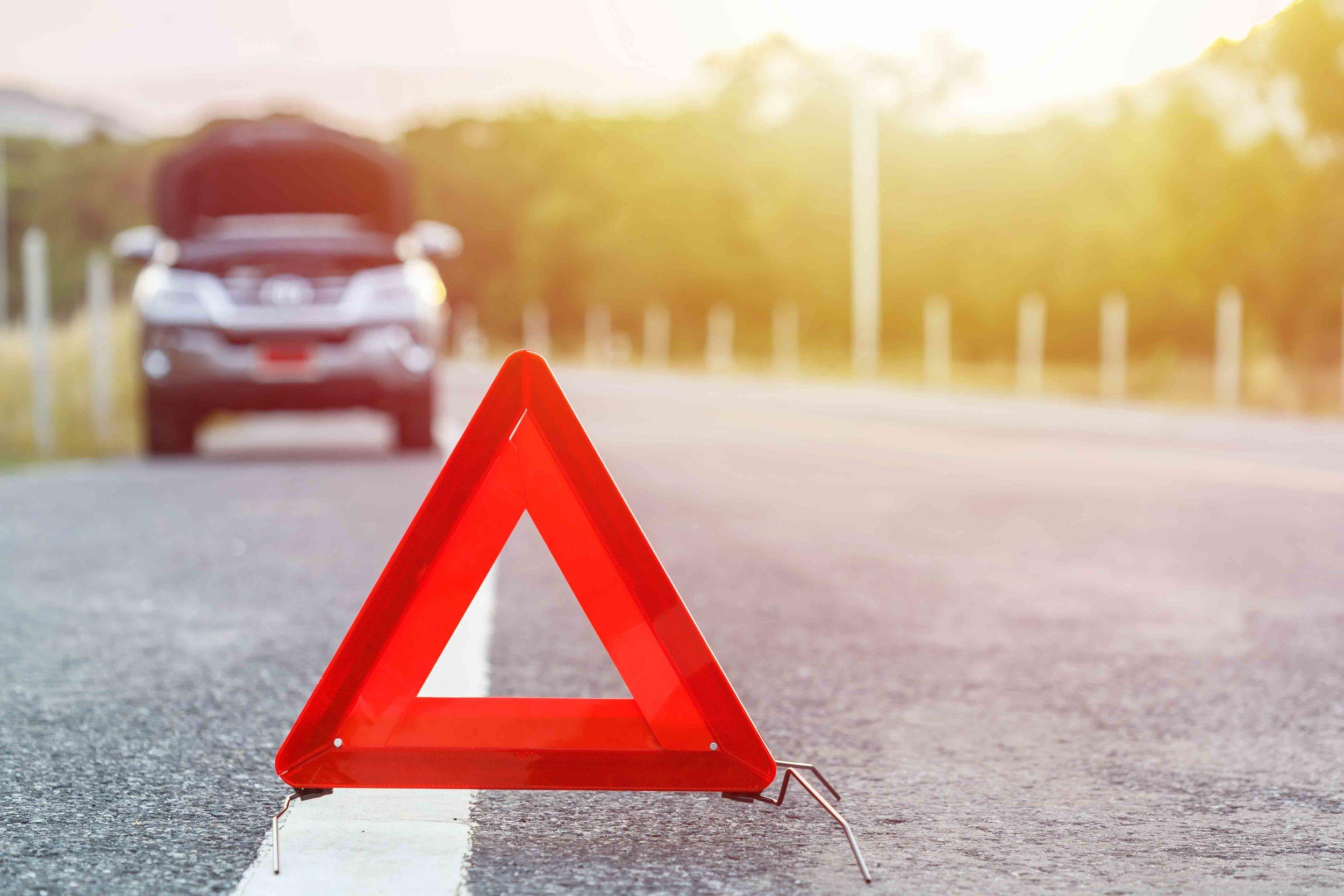 TriangleRoadsign_Roadside.jpg