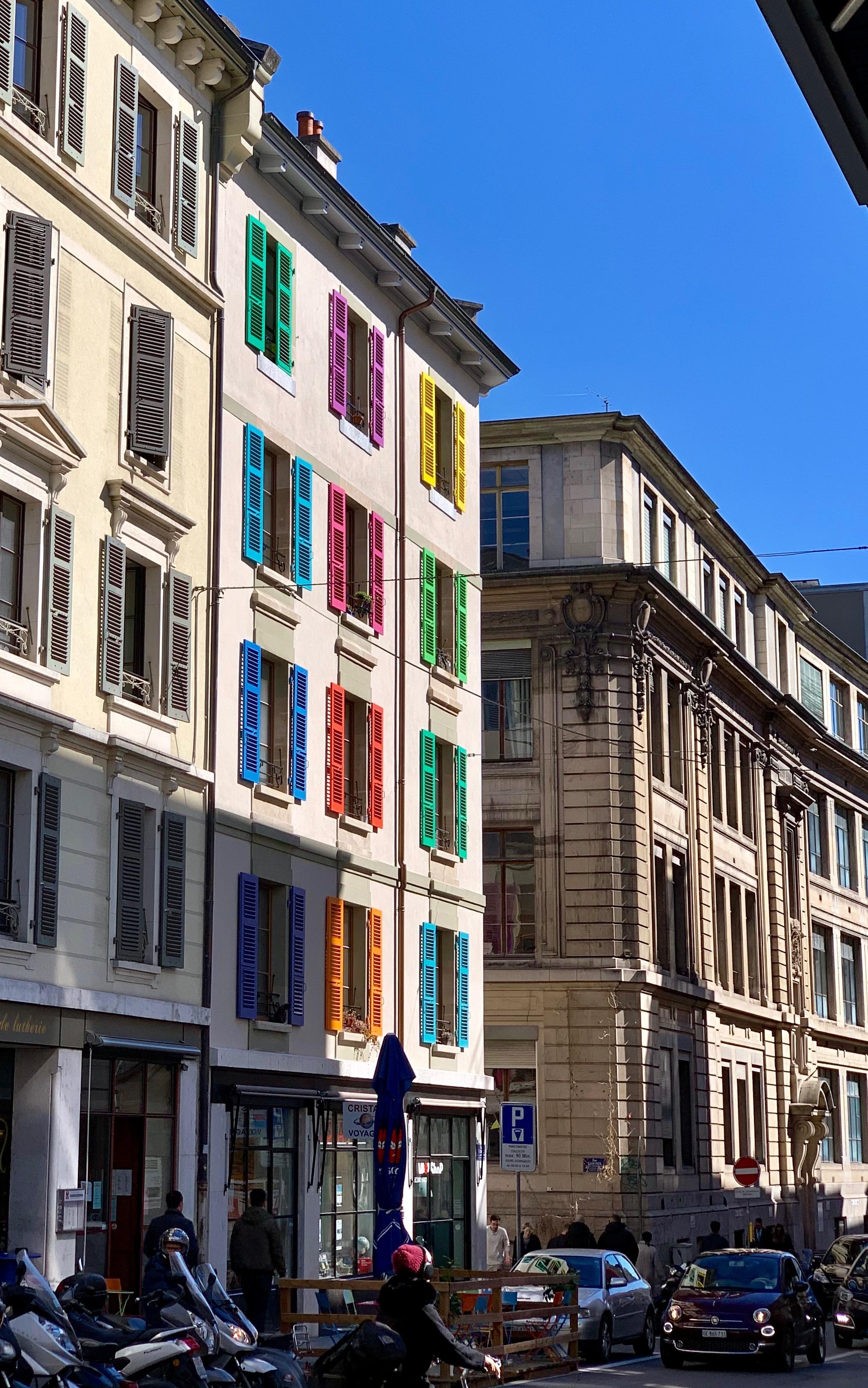 A colorful facade. Downtown Geneva, March 2019.
