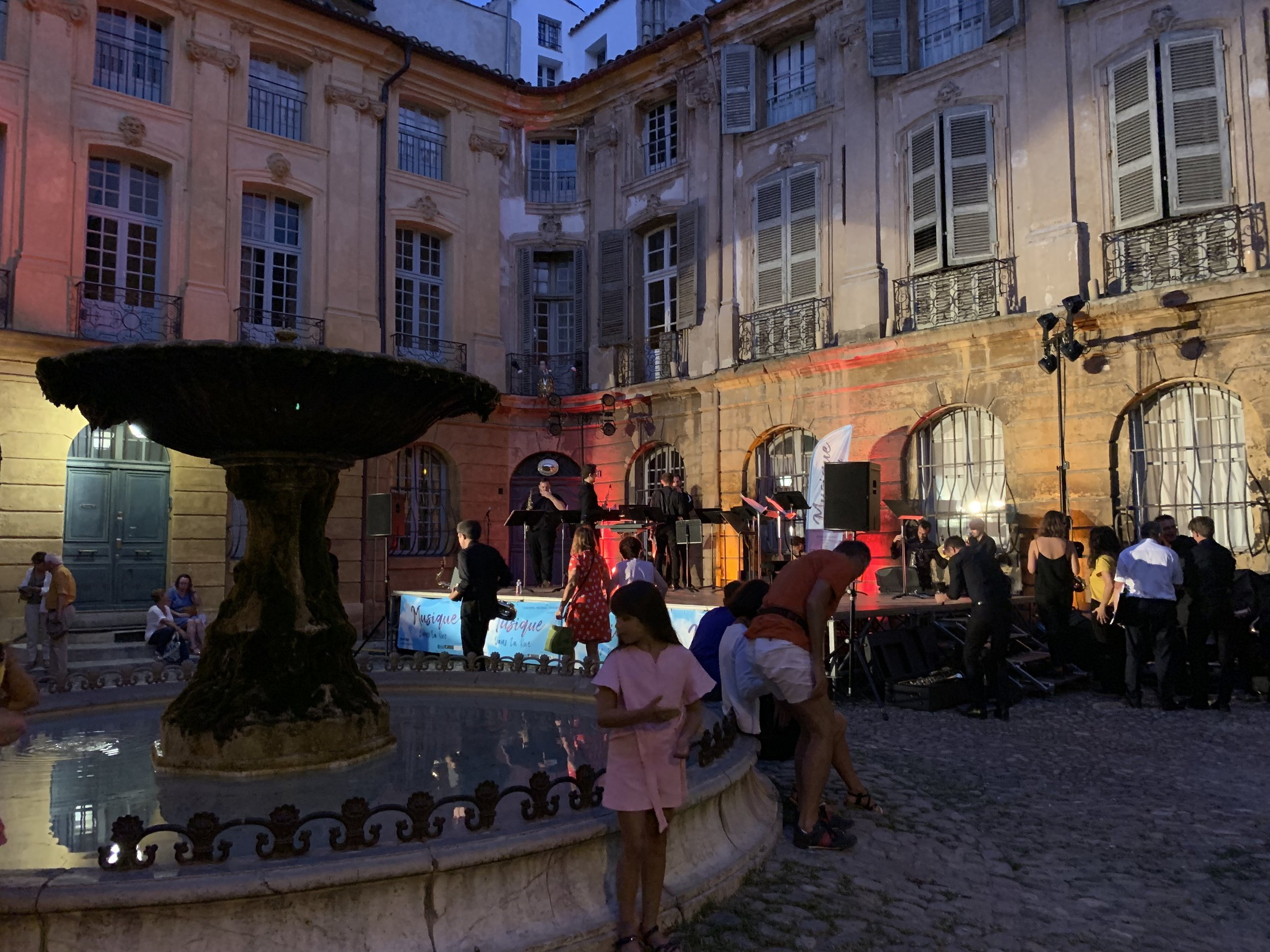 Aix-en-Provence-Old-Town-9.jpg