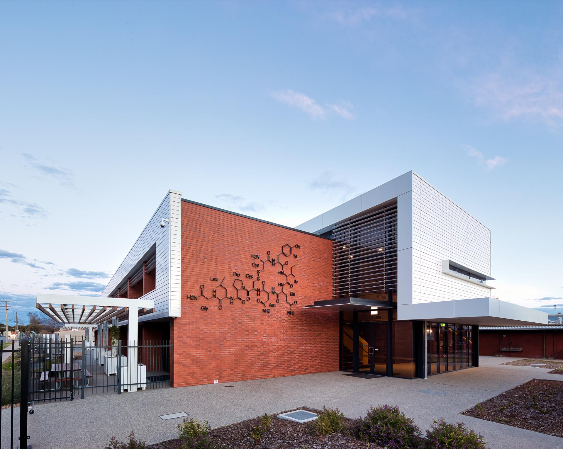 notre-dame-college-science-centre-shepparton-vic---terracade-tn-glazed---whitehaven-9_44456903672_o.jpg