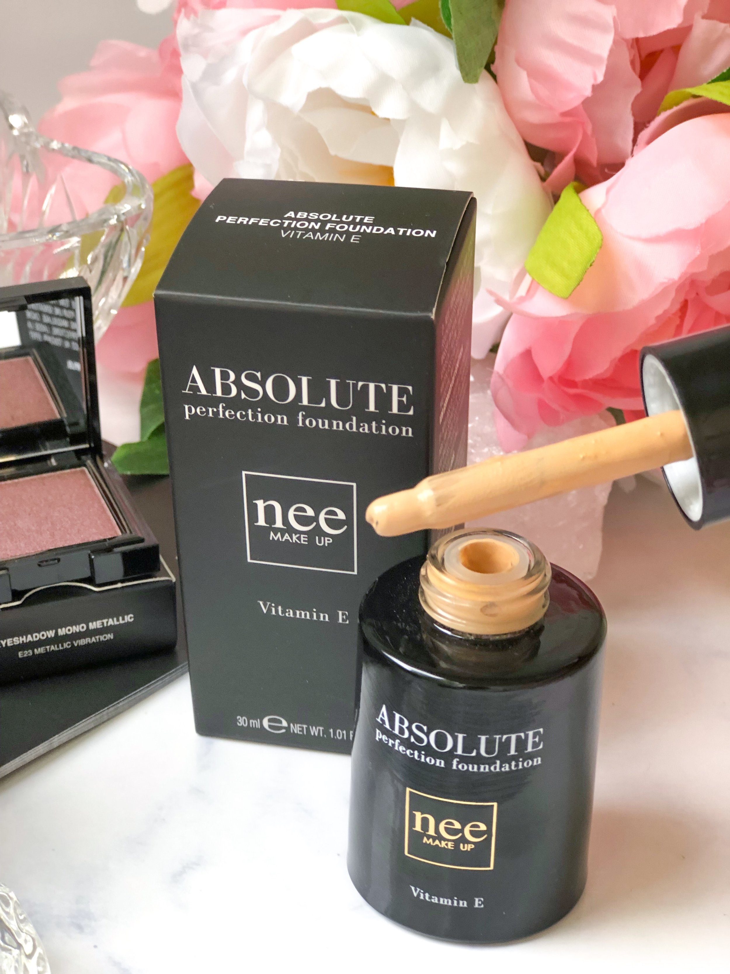 Nee Makeup Absolute Foundation Porcelain.jpg
