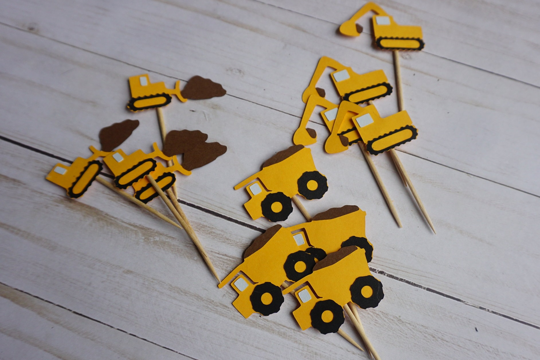 We also made construction cupcake toppers to match the cookies.