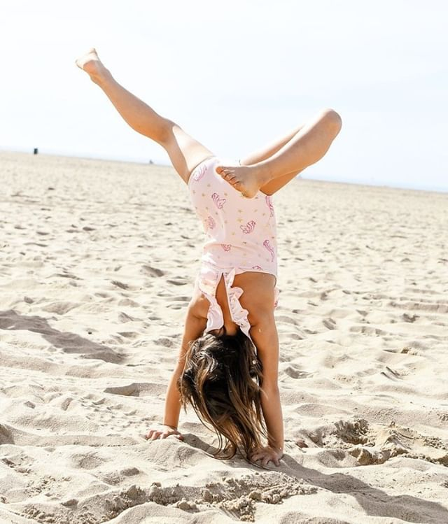 It's a handstand kinda day! Our website has officially launched🙌, go check us out and let us know what you think! www.wildwillettfood.com but you can also just click through on our profile 💁‍♀️