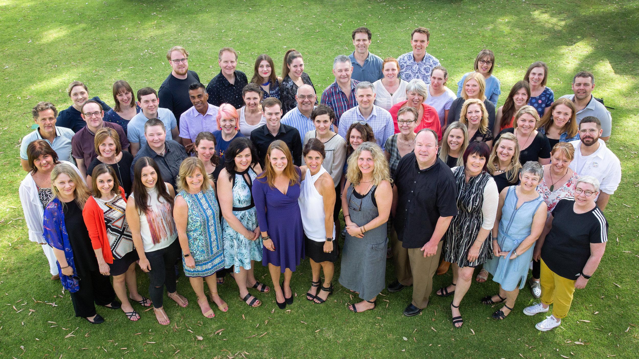 Lett av medlemmar, icke vinstdrivande - Elia är en internationell, icke-vinstdrivande organisation med medlemmar över hela världen, bestående av utbildare, konsulter och anställda – alla hängivna vårt uppdrag.