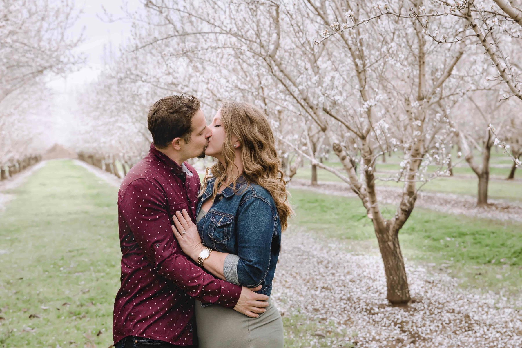 Chico blooming orchards engagement photos5.jpg