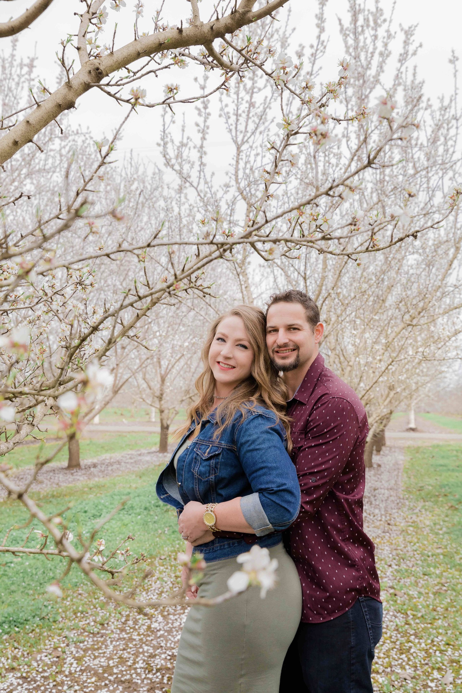 Chico blooming orchards engagement photos9.jpg