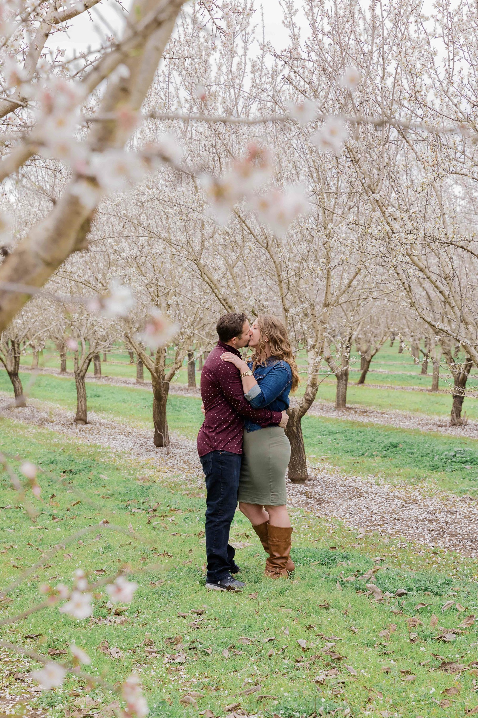 Chico blooming orchards engagement photos8.jpg