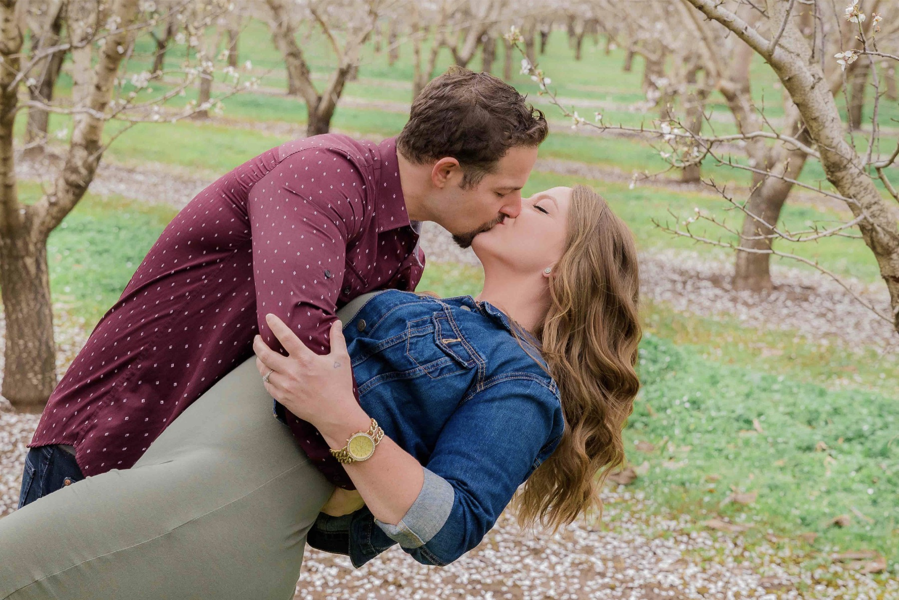 Chico blooming orchards engagement photos15.jpg