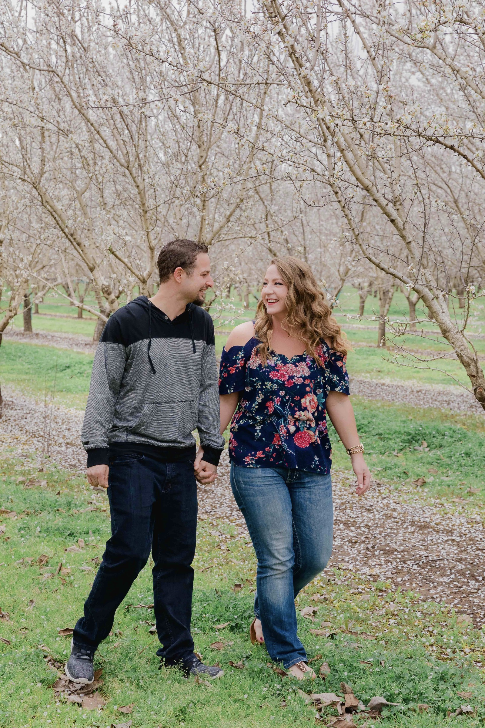 Chico blooming orchards engagement photos23.jpg