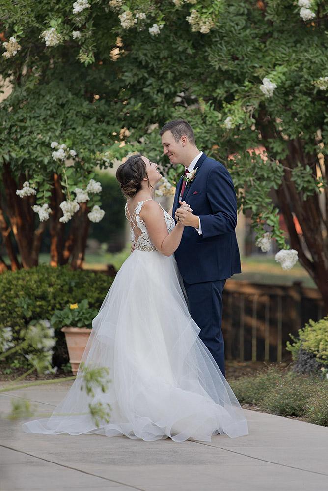 Lakeside pavillion Chico wedding.jpg