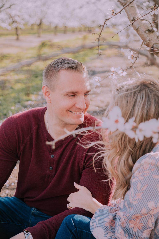 Engagement-photoshoot-chico-sacramento-blooming-orchard4-2.jpg