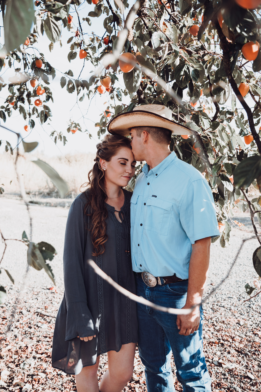Couple-photoshoot-chico-live-oak-ranch3.jpg