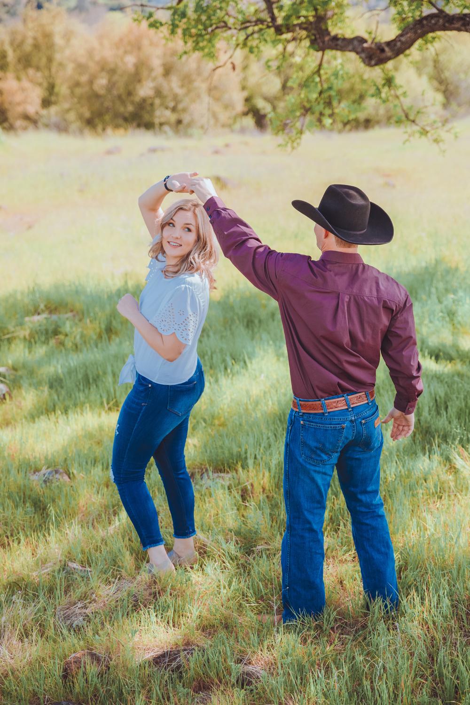 Sprin-Engagement-Photoshoot-Upper-Bidwell-Park-Chico-California7.jpg