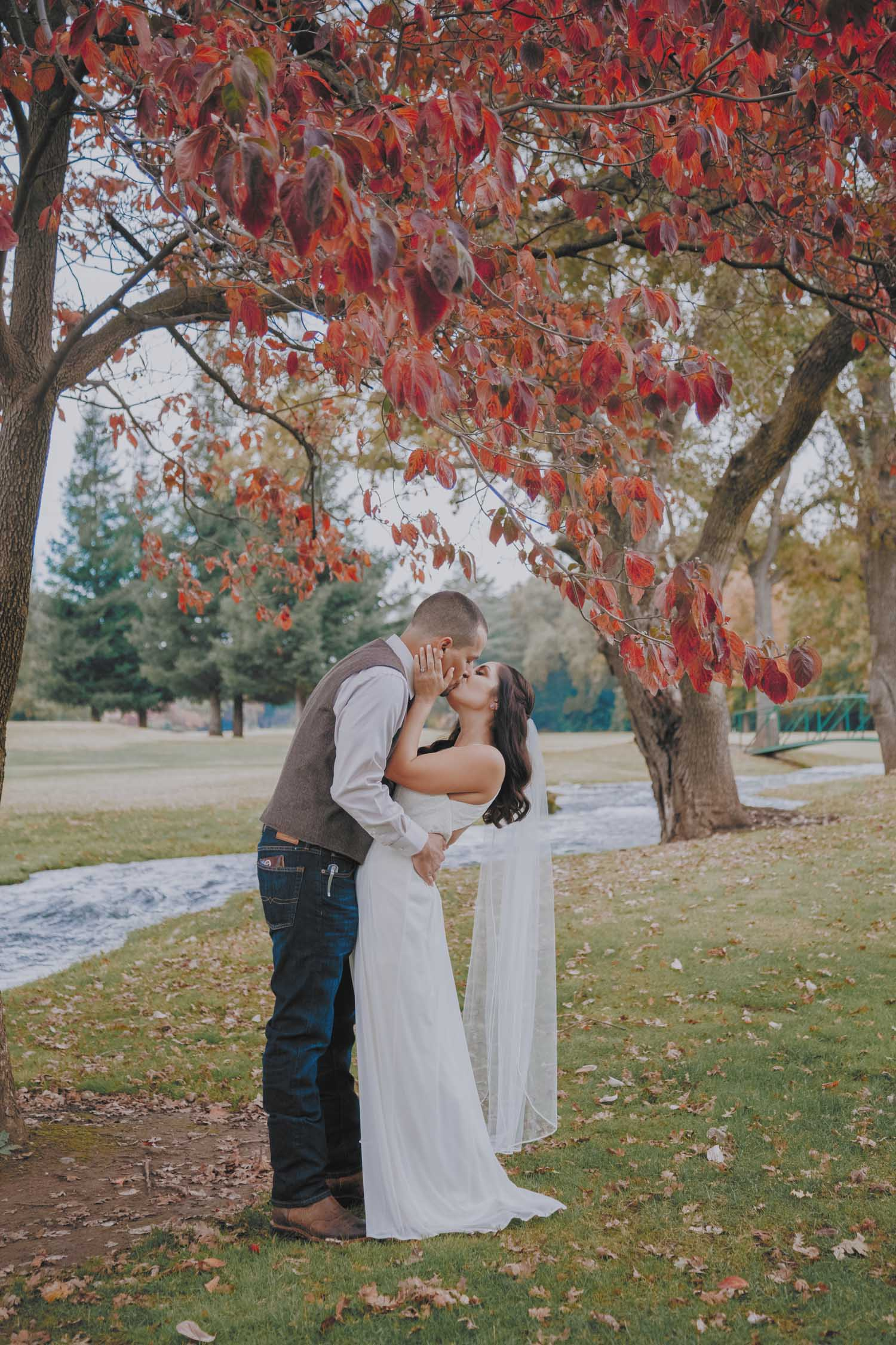 Bonnie-Scott-Rustic-Wedding-Chico-Ca-Butte-Creek-Country-Club131-2.jpg