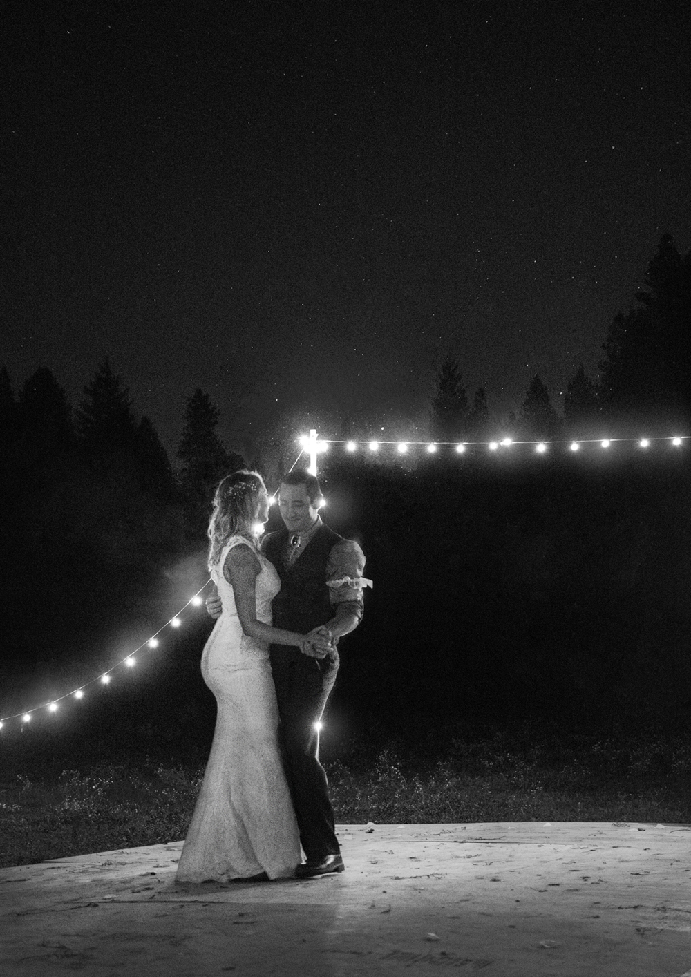Rustic-Forest-Country-Wedding-Chico-CARustic-Forest-Country-Wedding-Chico-CA6-small.jpg