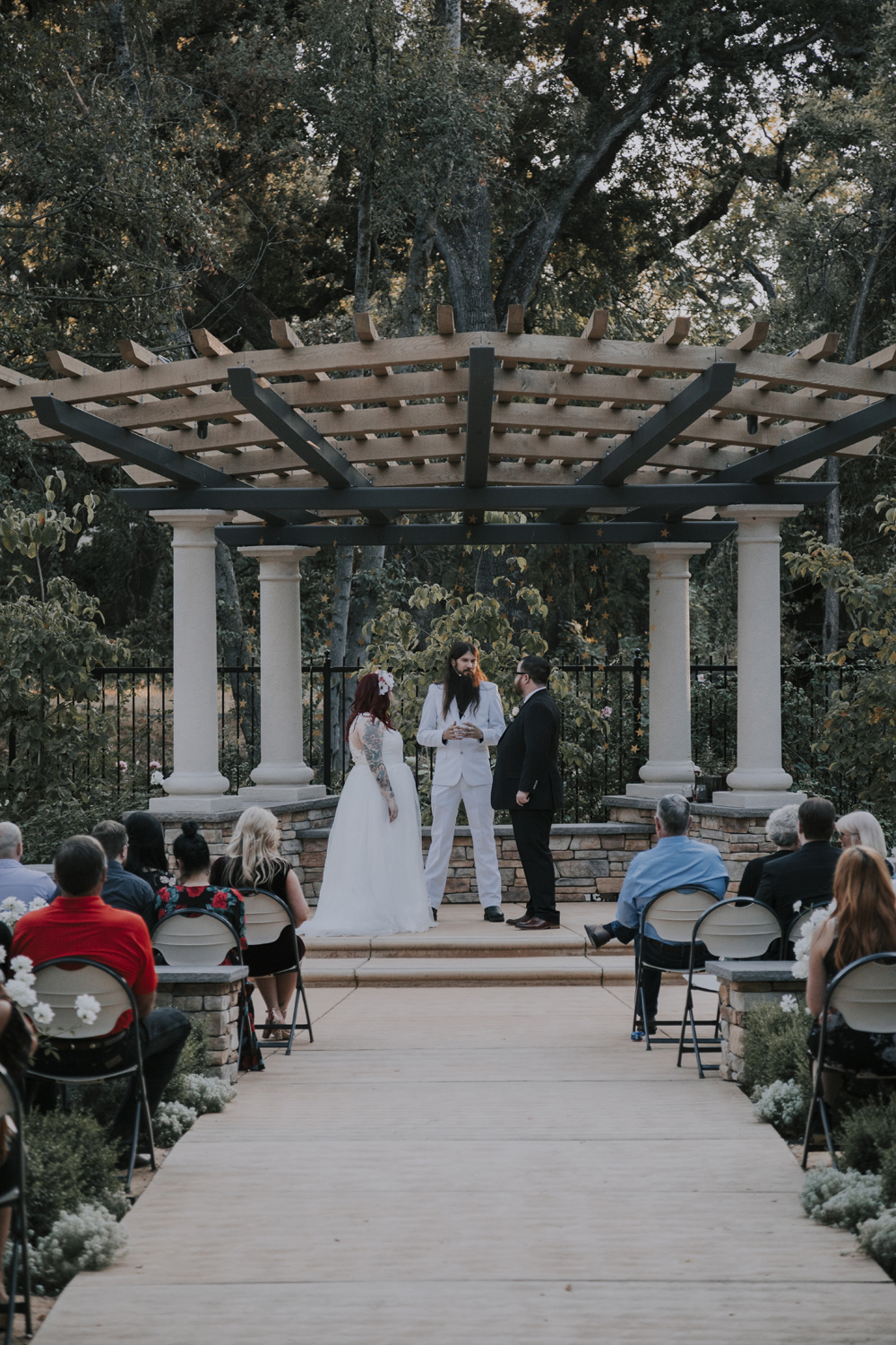 Wedding-photographer-at-Creekside-Rose-Garden-Chico-CA79.jpg
