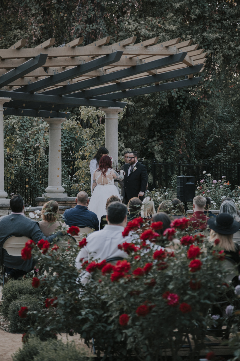 Wedding-photographer-at-Creekside-Rose-Garden-Chico-CA93.jpg