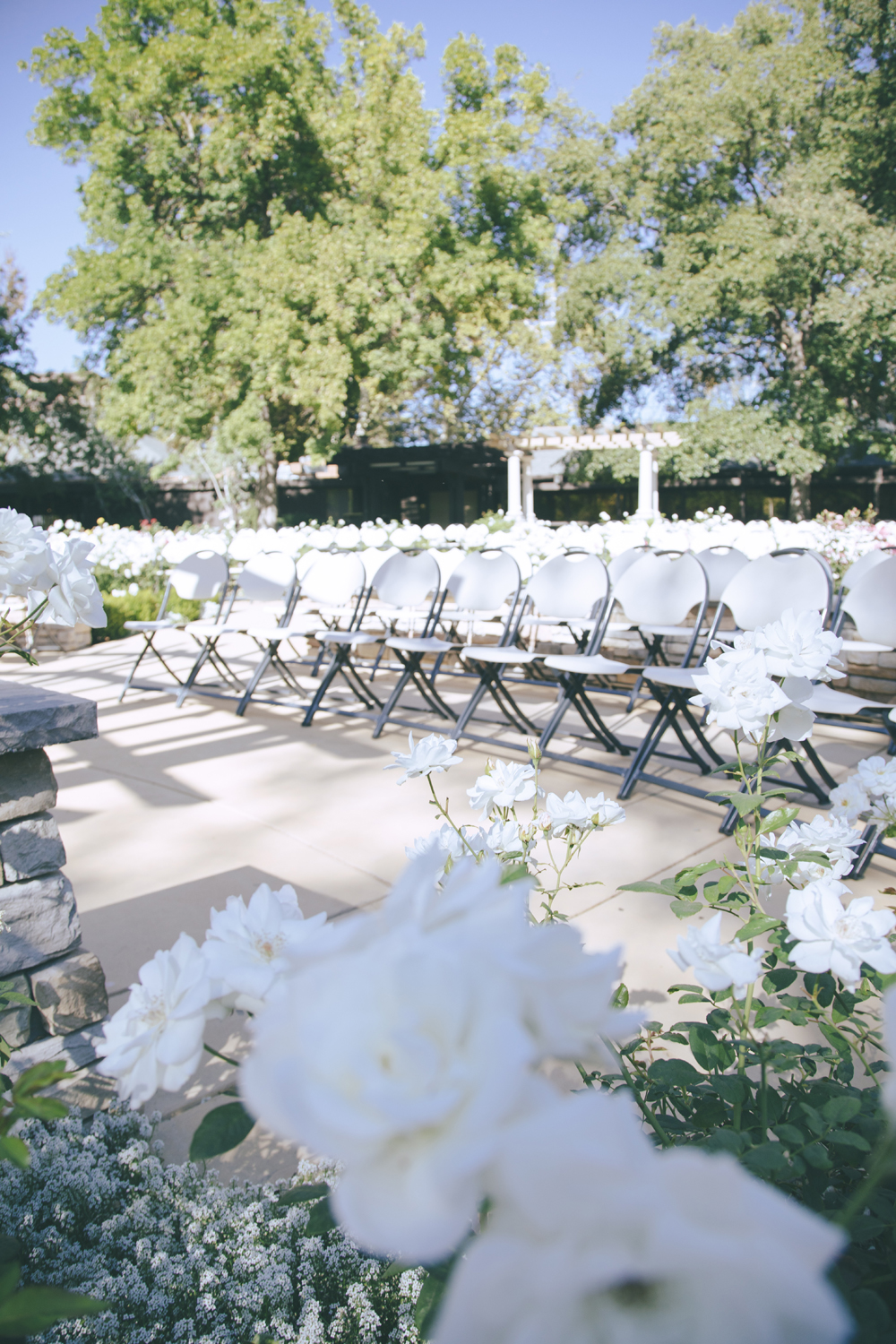 Wedding-photographer-at-Creekside-Rose-Garden-Chico-CA19.jpg