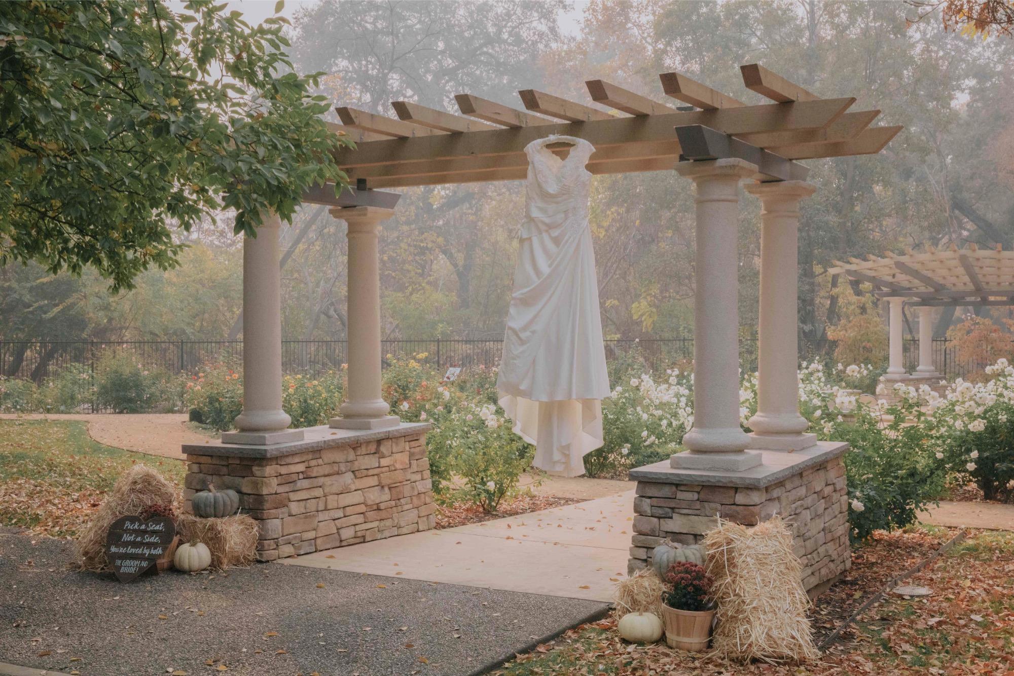 Creekside rose garden wedding photography chico_55.jpg