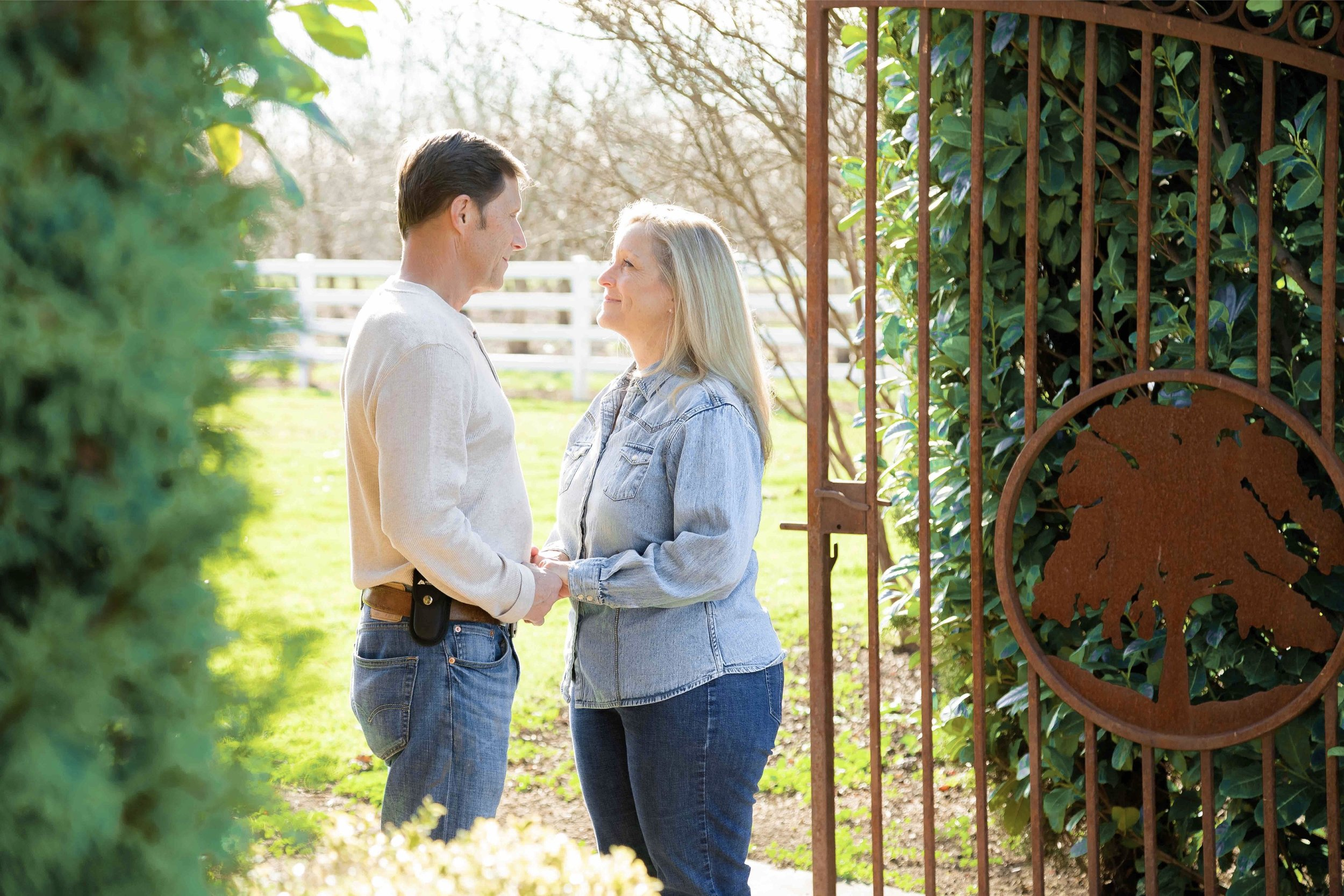 Iron Gate Inn Chico California Wedding Photographer 22.jpg