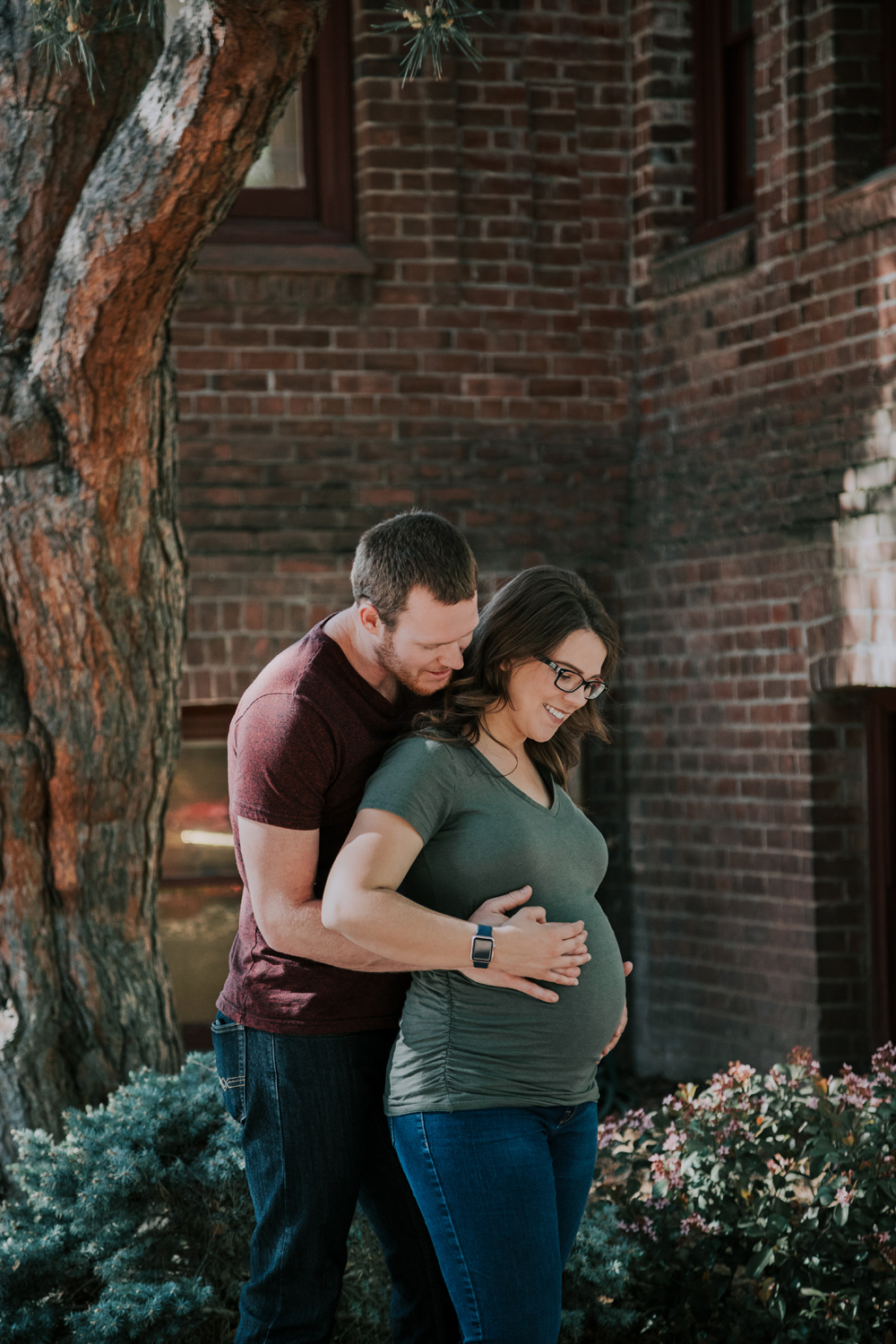 Downtown-Chico-and-Upper-Bidwell-Park-Maternity-photos01.jpg