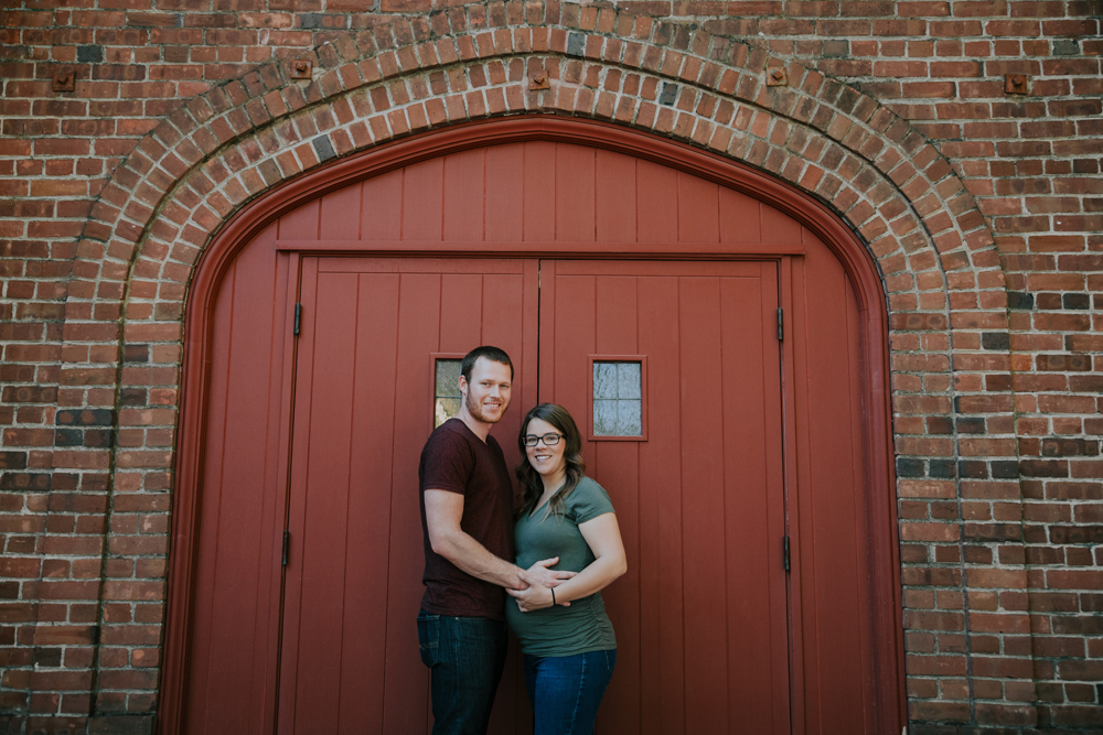 Downtown-Chico-and-Upper-Bidwell-Park-Maternity-photos05.jpg