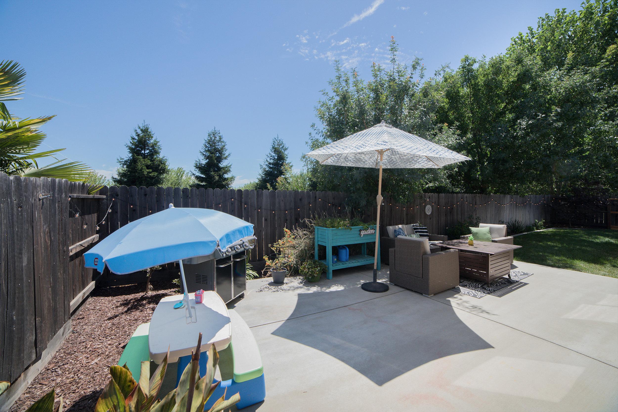 Backyard - 02.jpg