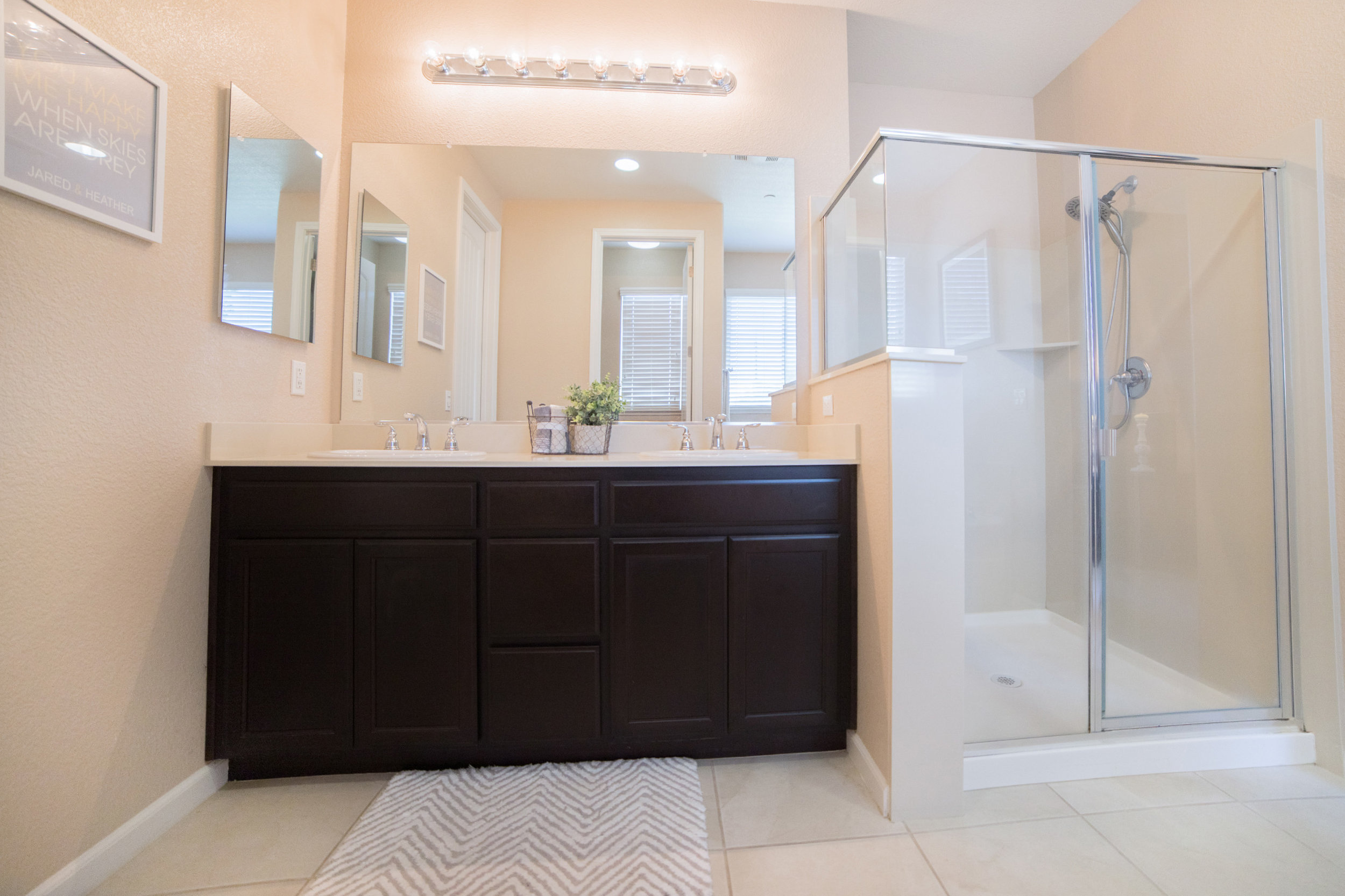 Master Bath - 02.jpg