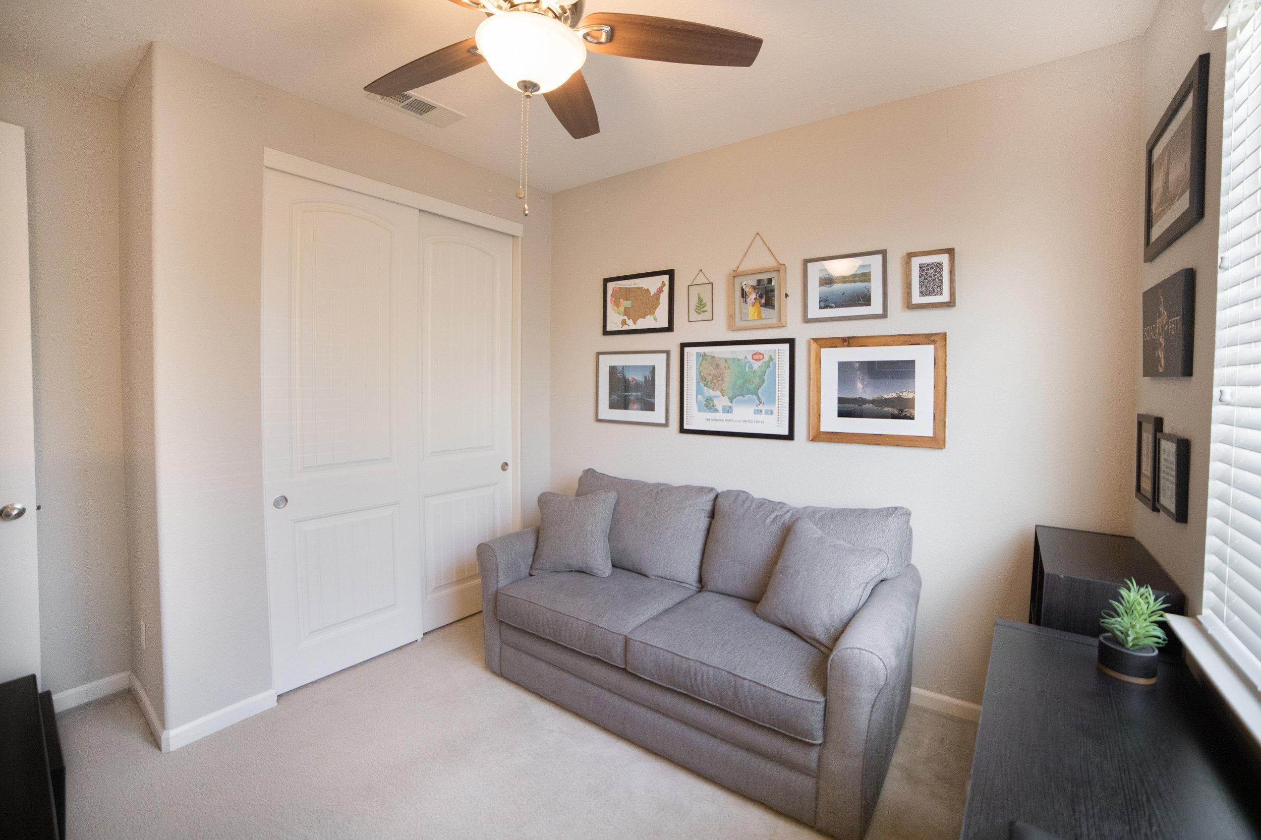 Bedroom 1 - 02.jpg