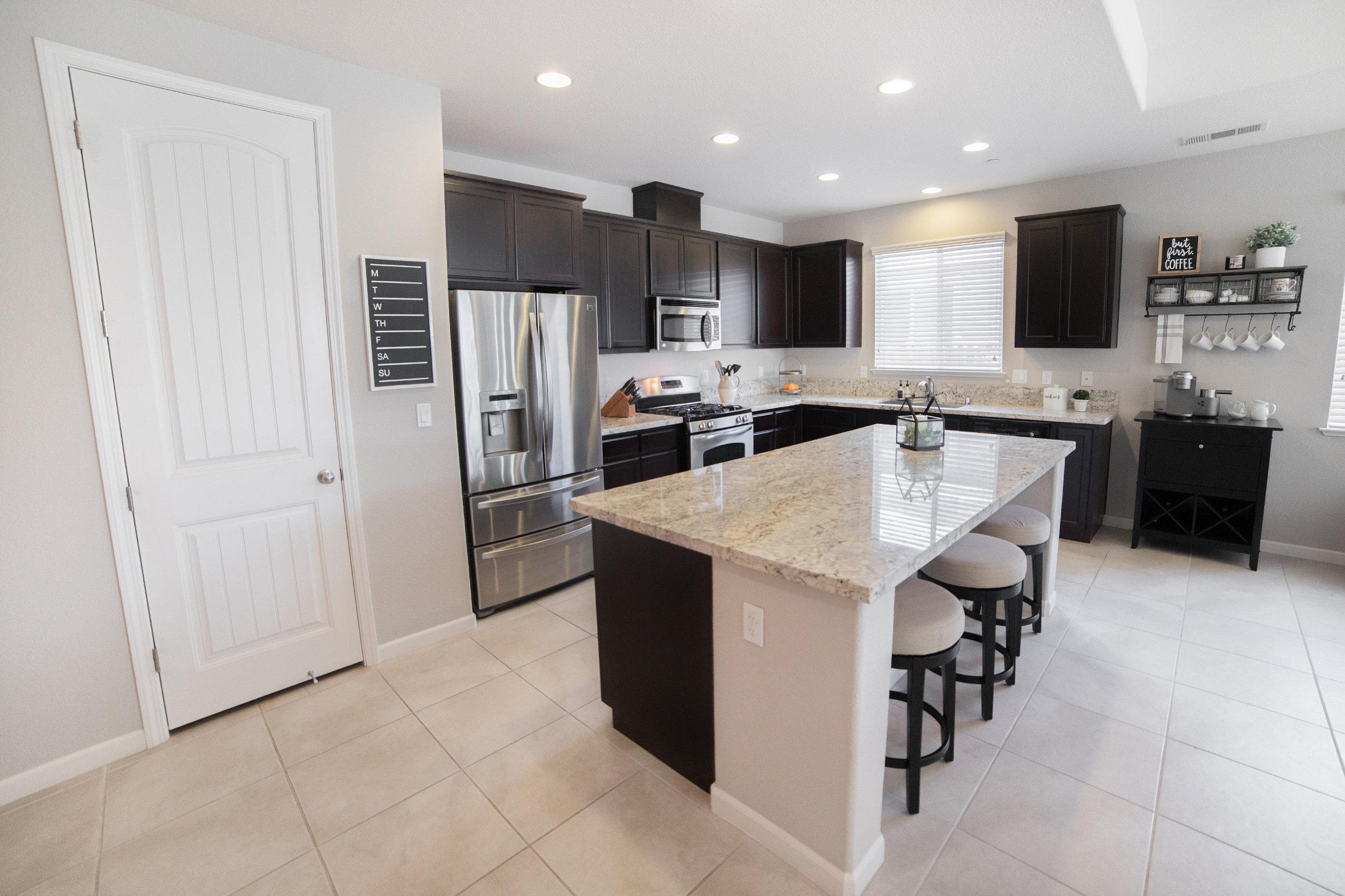 Focal Room kitchen-living - 03.jpg
