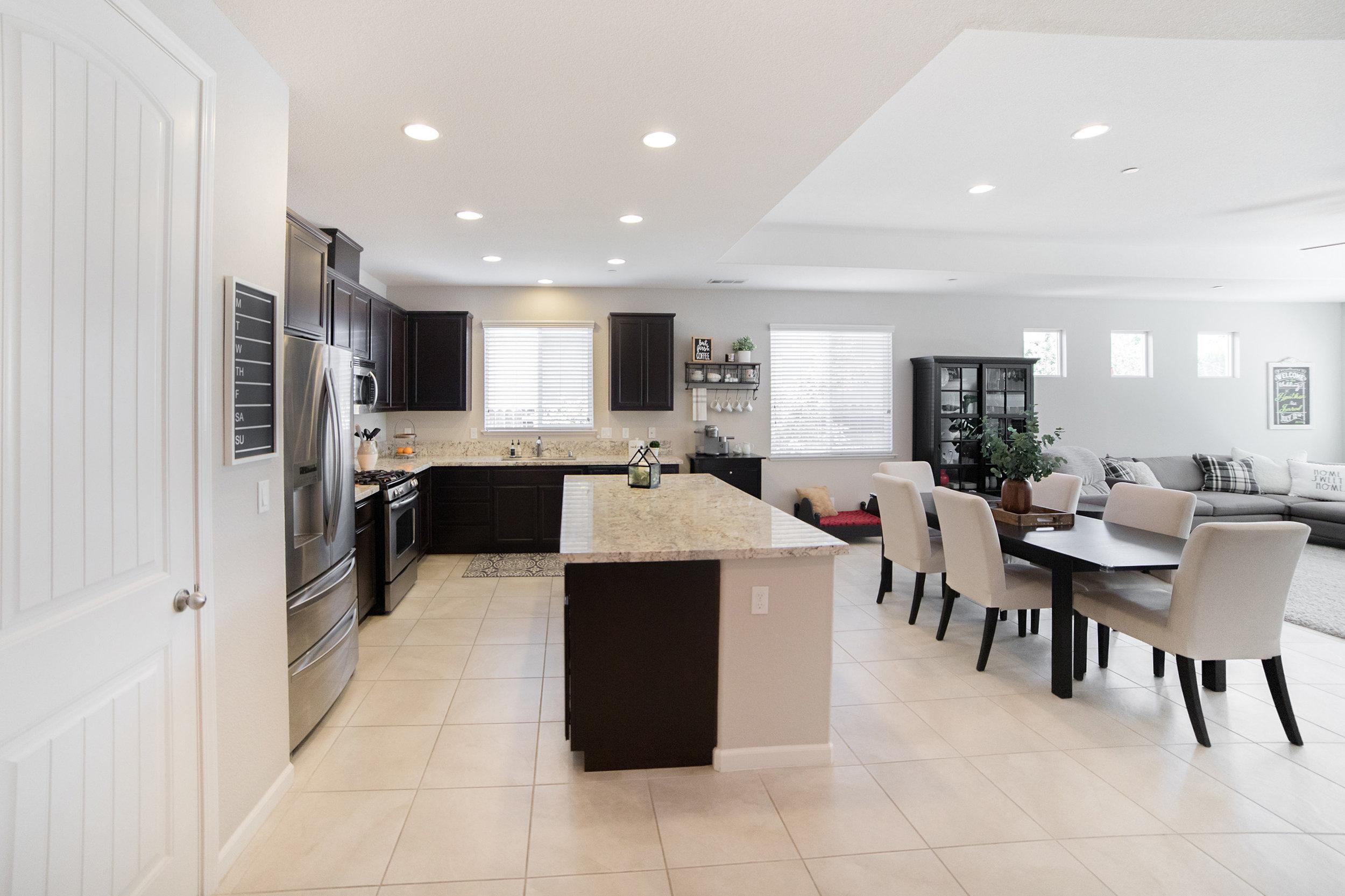 Focal Room kitchen-living - 01.jpg