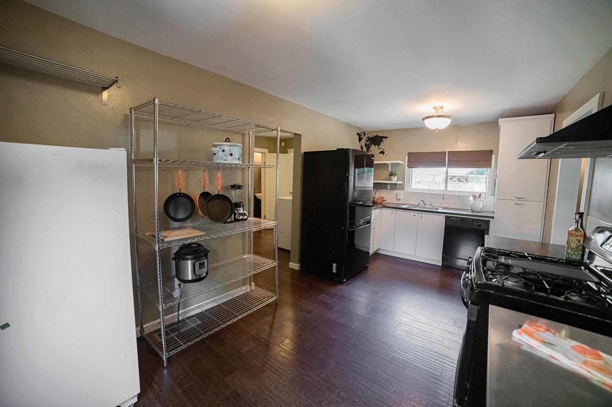Kitchen - 07.jpg