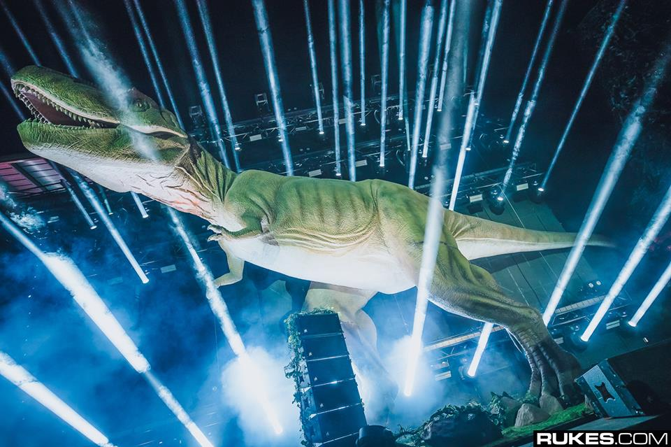 lost-lands-dinosaur-ravejungle.jpg