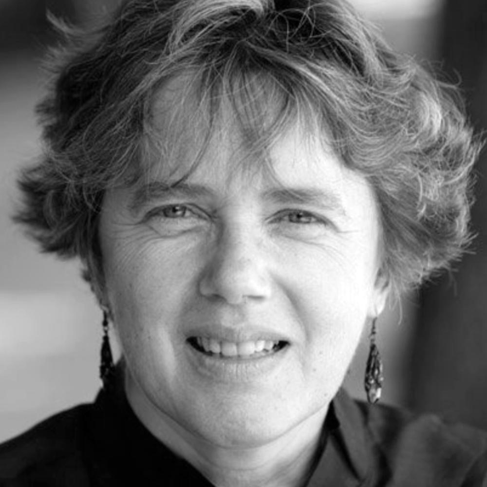 Vibeke Knoop Racheline - Vibeke er journalist og forfatter. Etter mer enn 40 år i Paris har hun kommet Frankrike