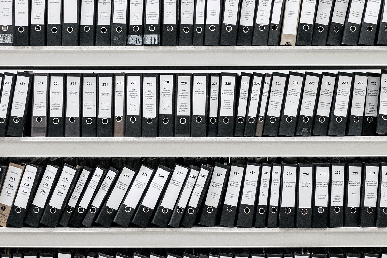 2. Documentación - Si la operación es viable y estás de acuerdo con las condiciones, te indicamos toda la documentación que necesitamos para comenzar a tramitar la operación.