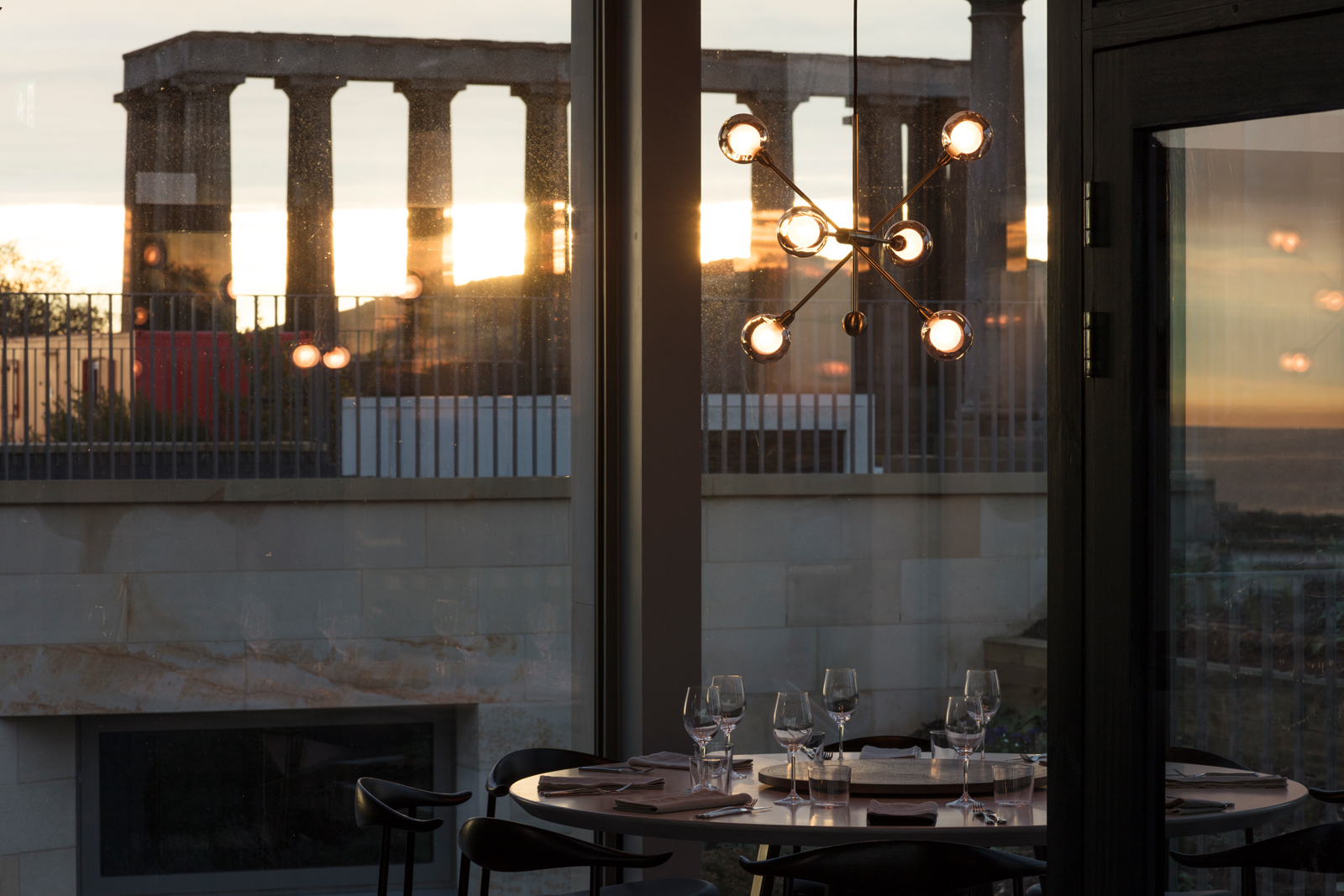 Seasonal Gifts - Share the joy of a dining experience in The Lookout restaurant with one of our gift packages. From Champagne brunches to fine dining experiences there is a range of options to suit everyone's tastes.