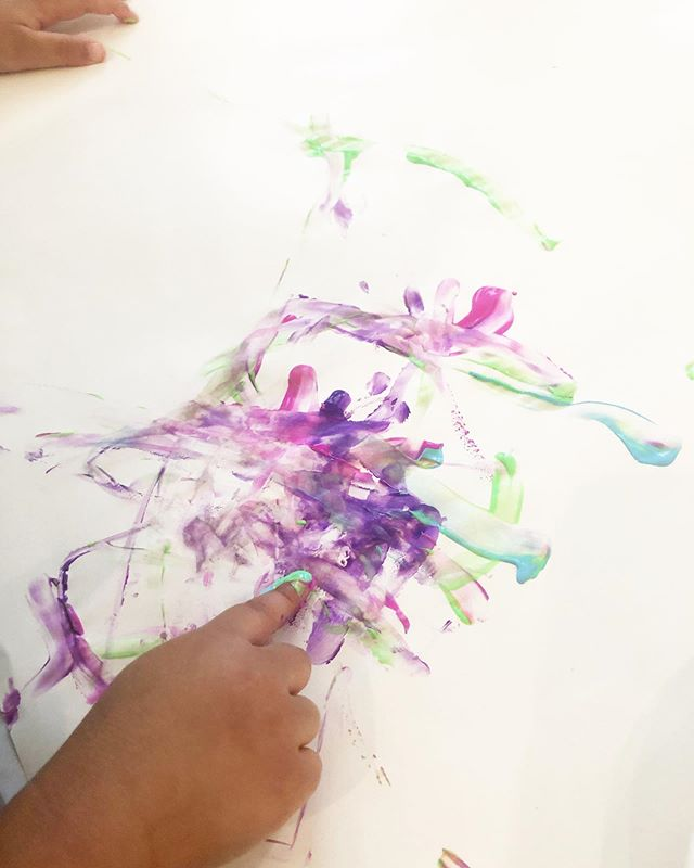 We've checked. There's nothing cuter than messy hands while finger painting. 😍 Working on a progressive project for #grandparentsday2019 🥳 Our kids are loving it! • • #Unguidedart #fingerpaint #paint #art #ece