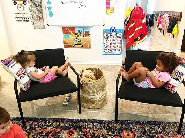 """Girlfriend hangs. It's satisfying to see children of any age content to curl up and """"read"""". We wrapped up our Together Time one morning, and these two made themselves cozy with tiny board books. 🥰 • #earlyreaders #preschool #earlychildhood #earlyyears #content #read #books #boardbooks #reading #friends #friendship #earlychildhoodeducation #earlychildhooddevelopment #ece #girls #toddler #toddlerhood #makespace #rest"""