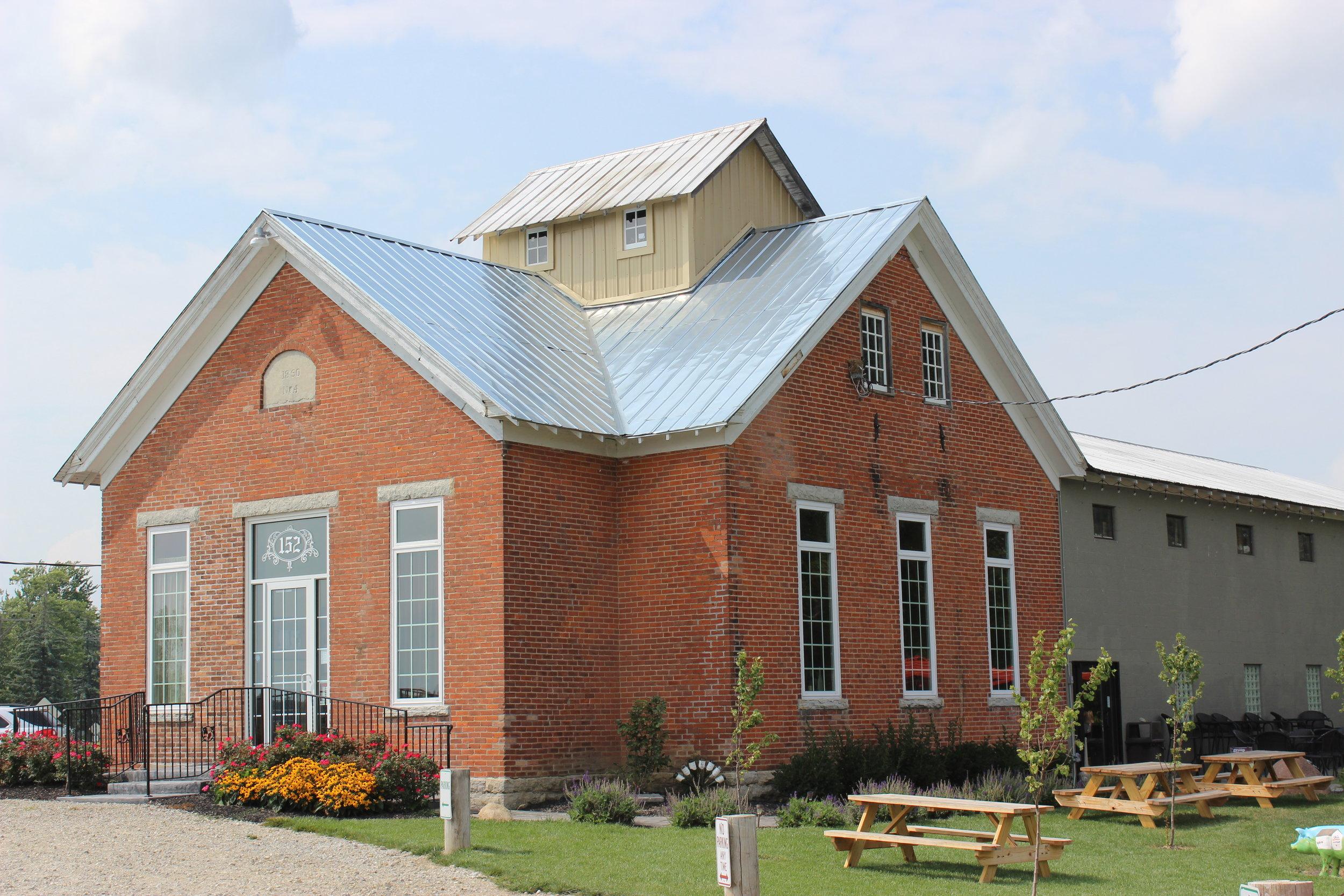 Olde Schoolhouse Vineyard & Winery