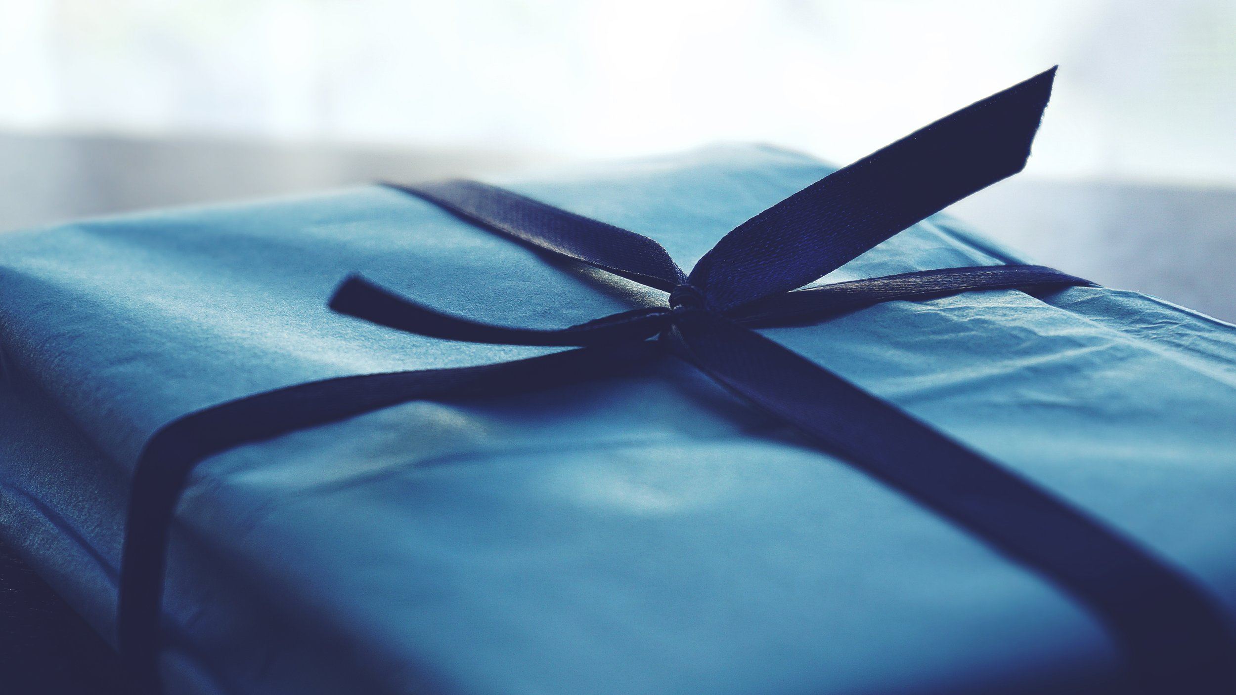 art-birthday-gift-blue-1178562.jpg