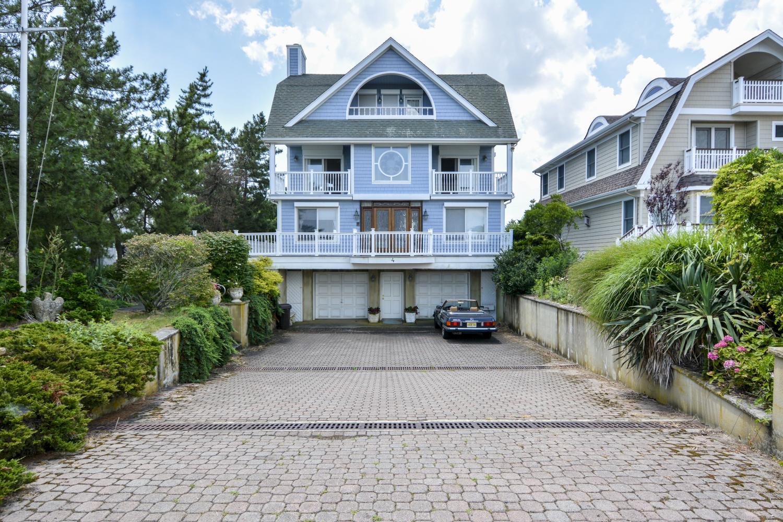 BEACH HOUSE - specs-beach-house