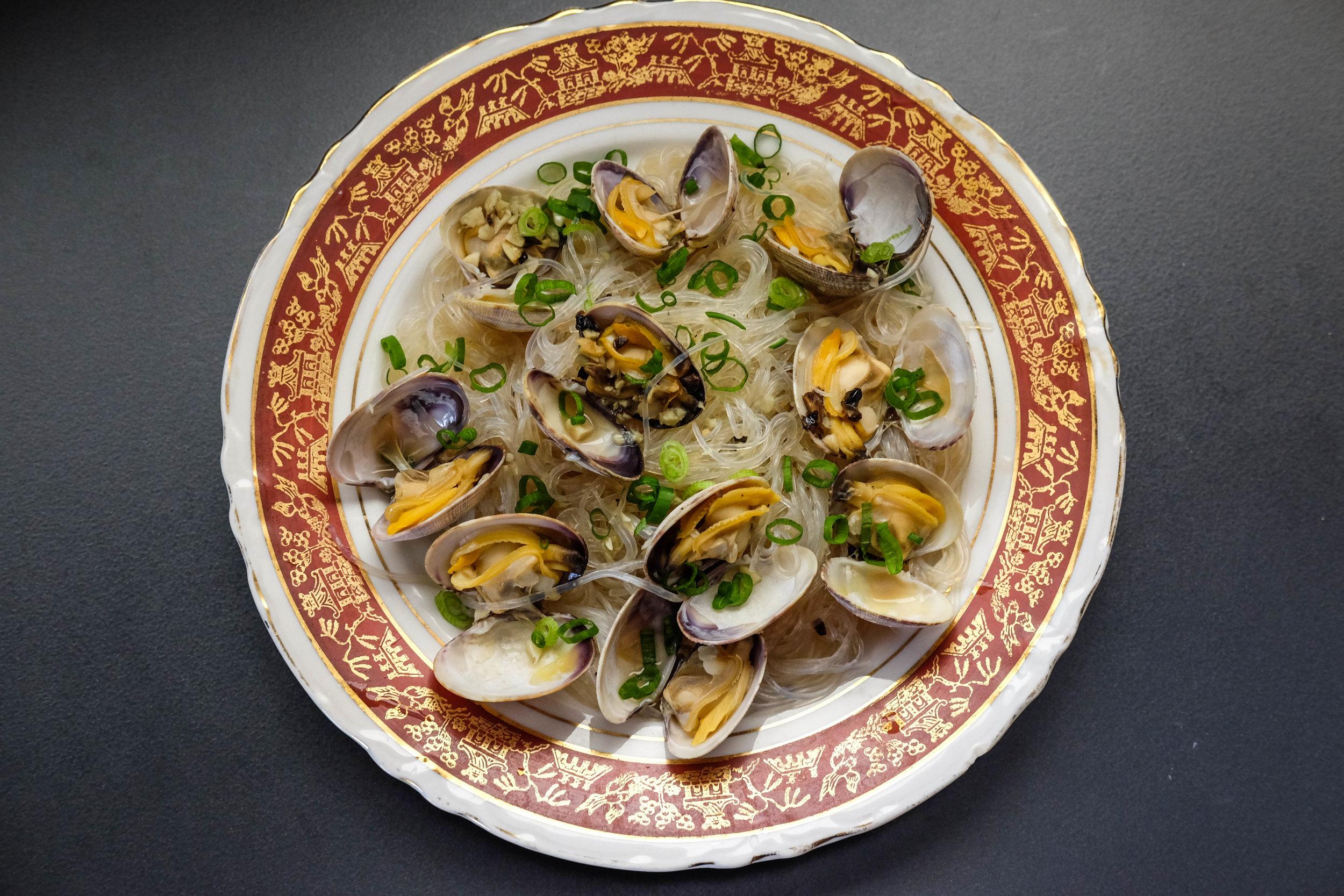 steam clam vermicelli-5066 - Johnny Lee.jpg