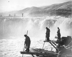 Celilo Falls before Dalles Dam