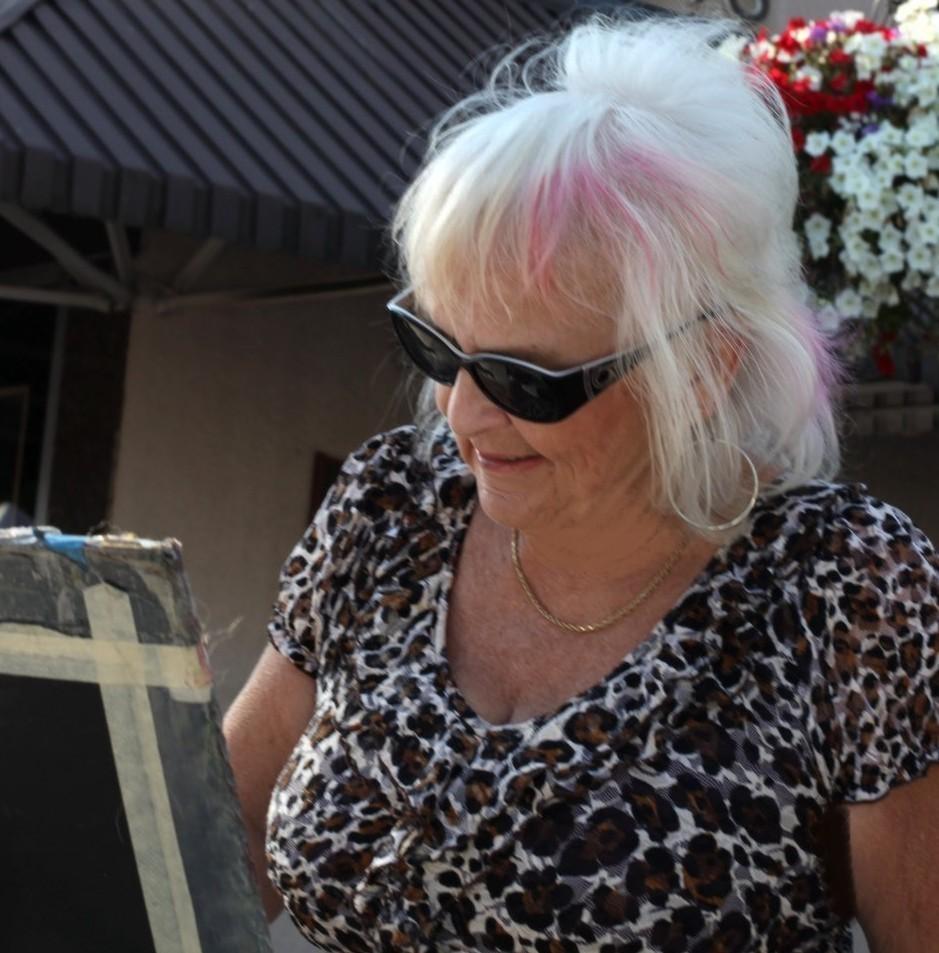 LindaHolland - Linda Holland.jpg