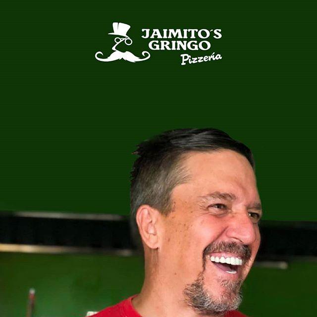 La felicidad en el rostro del @tiojaimito tiene una razón muy importante: ¡Tenemos nuevo #menudelivery! Ahora todo nuestro menú de comida italiana podrás llevarla donde quieras.  Contáctanos para hacer tus pedidos👇: . . 📲 095-958-4716 ☎ 05-267-7111 . . #mantarestaurante #tiojaimito #jaimitosgringo #eatinmanta #pizzalover #pizzadomicilio #pedidoadomicilio #eat#querico #delicioso #fresca #losmejoresingredientes #bestingredients #bestinmanta #notjustagimmick #pastadetomate #pizzaparami #foodporn #pizza #comidaitaliana #ricacomida #mantaestodo #mantaecuador #manta #mantameencanta #delicious #buenapizza