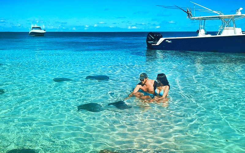 BOAT RIDE - A short comfortable boat ride will whisk you to our Stingray City park. From the moment you step aboard you'll be greeted by a warm welcome from a friendly crew