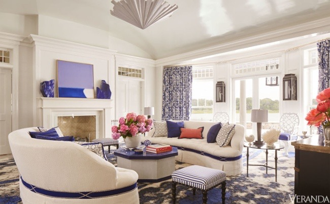 blue-and-white-sea-pattern-contemporary-rug-living-room-by-amanda-nisbet-hamptons-veranda-july-2016 (1).jpg