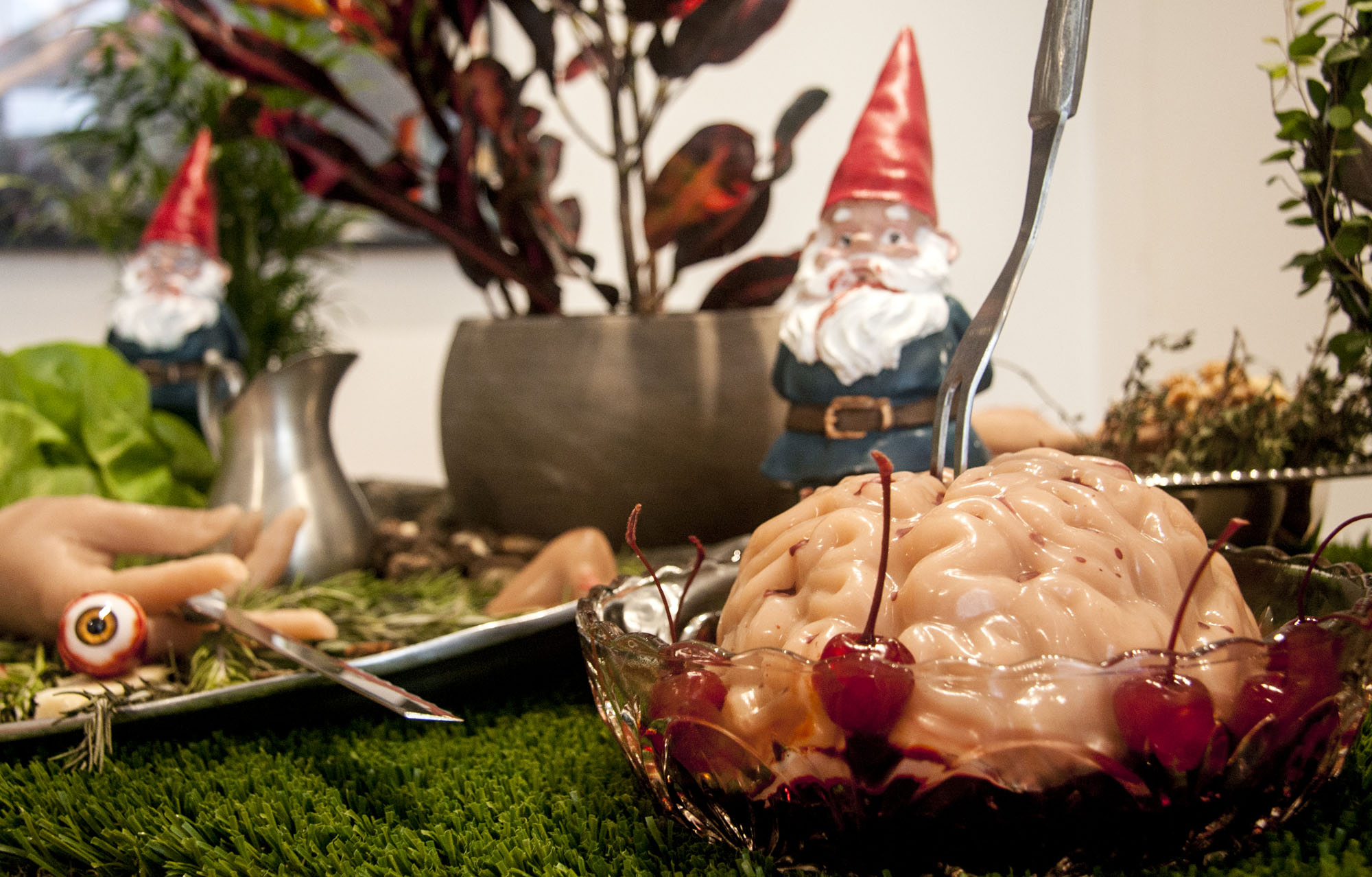 Garden Party: Post-Gnome Apocalypse, detail